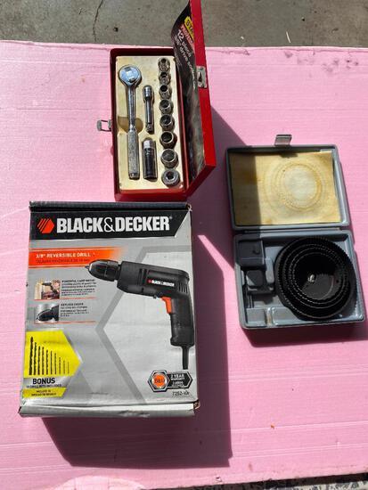 "Lot of 3; Black & Decker 3/8"" Drill, 12 Piece 3/8"" Socket Set Whole Saw Kit (Missing Arbor)"