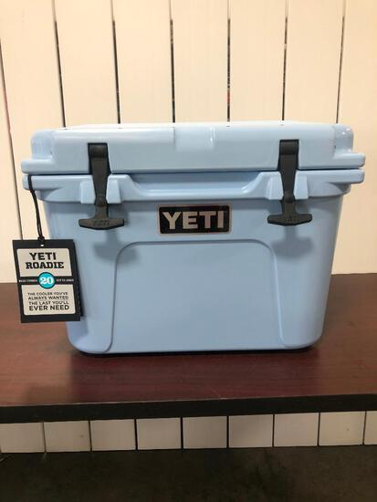 YETI Roadie 20 - Ice Blue (Discontinued Color)