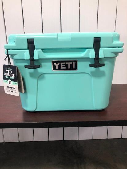 YETI Roadie 20 - Limited Edition Seafoam Green