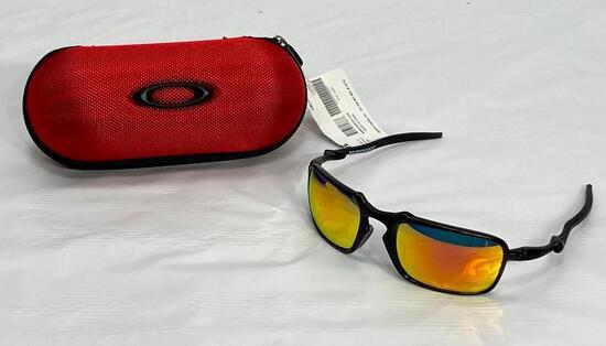 Oakley BADMAN OO6020 60 21 135 Sunglasses in Red Oakley Ballistic Case, NEW