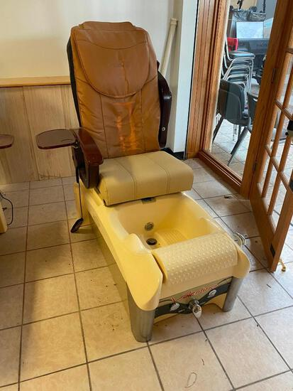 Valentino Model: J51W03DL A-2T Pedicure Spa Chair/Station