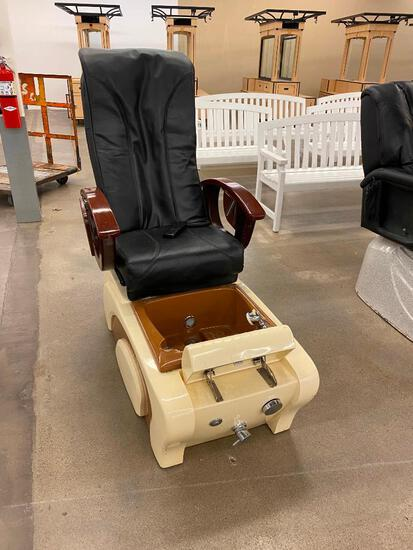 Massage Chair Model J51W03DL A-2T, 120v, 150w w/ Foot Spa & Remote