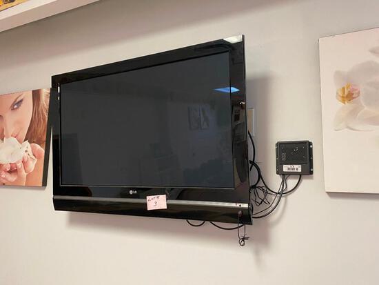3 TV's w/ Wall Mount Brackets