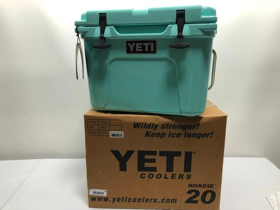 Yeti Roadie 20 Seafoam Green Cooler