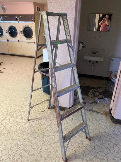 6 Foot A-Frame Aluminum Ladder