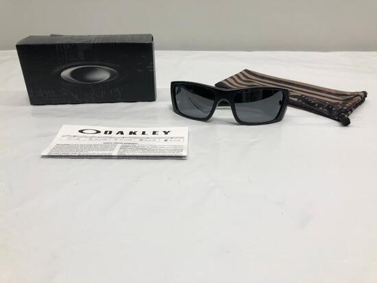 Oakley Fuel Cell Sunglasses Frame Matte Black, Lens Black Iridium New in Box