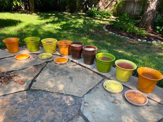Lot of 9 Multicolored Clay Pots w/5 Bases