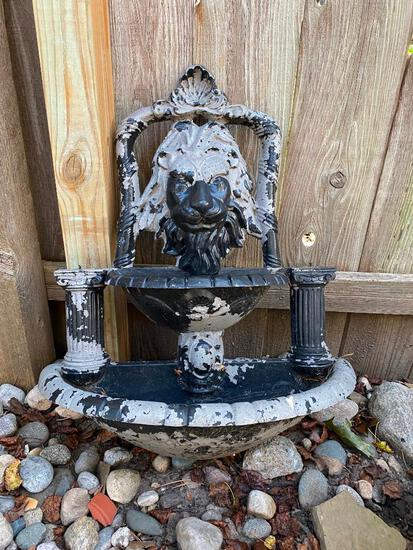 "29"" Tall Hanging Lion Fountain"