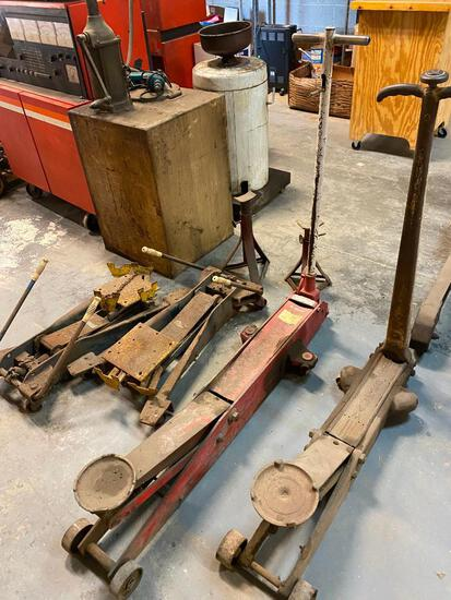 Lot of 4 Mechanics Jacks and Pair of Jack Stands