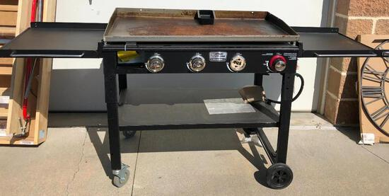 Blue Rhino Razor 4 Burner, Event Grill, Flat top Grill - MISSING 1 KNOB