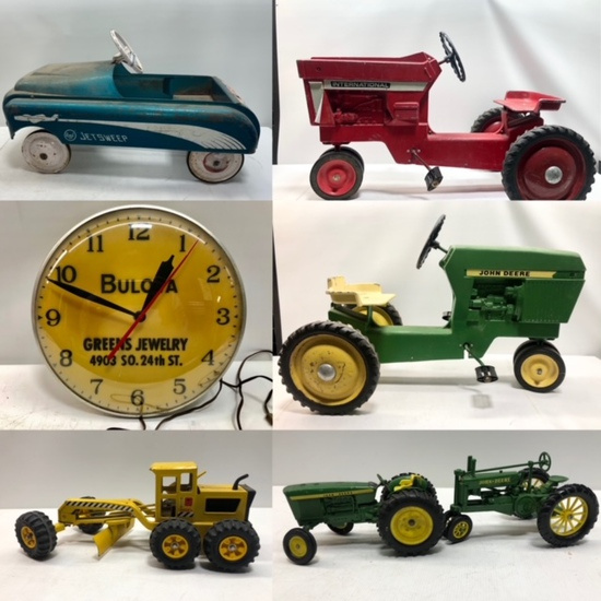Thanksgiving Vintage Toys, Antiques & Advertising