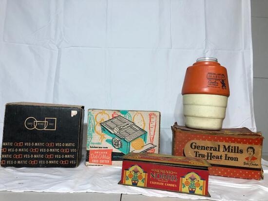 Vintage Kitchenwares