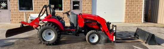 2015 Mahindra 1533 Shuttle 4WD Transmission Compact Tractor w/ Loader, Bucket, Blade & Forks 158 hrs