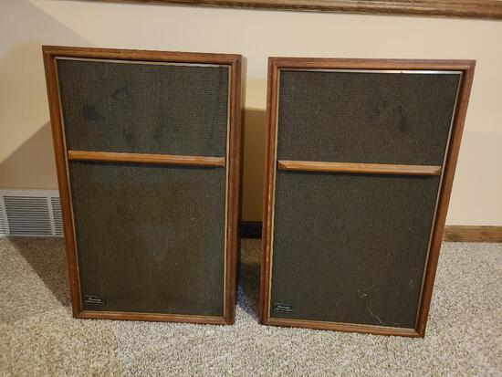Vintage Pair of Wharfedale Stereo Speakers W60E