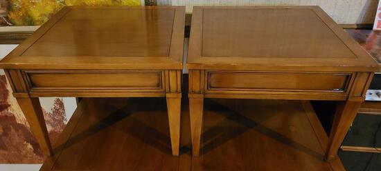 Lot of 2 Mid-Century Modern Hekman End Tables 20in x 20in