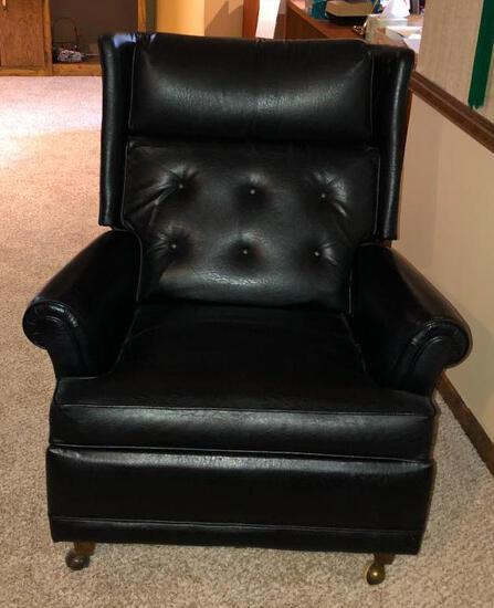 Vintage Executives Leather Recliner, VG Condition, Wooden Legs, Black Leather