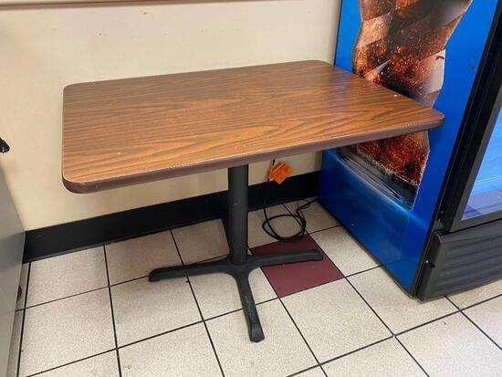 Restaurant Table w/ Single Pedestal