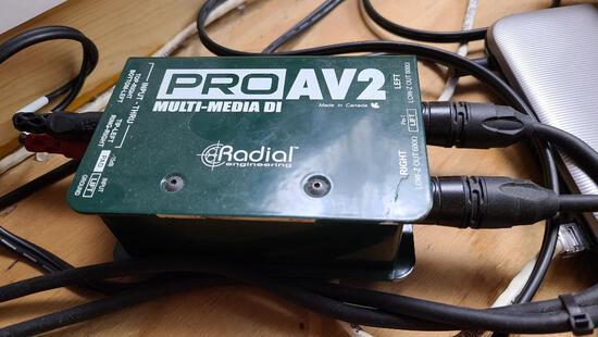Radial PRO AV2 Multi-Media DI Passive Multi-Media Direct Box