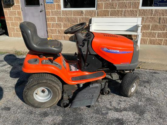 Husqvarna YTH1542XP Garden Lawn Tractor, 800 Hours, Runs Great
