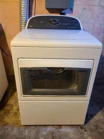 Whirlpool Cabrio Clothes Dryer Model: WED5800BW0 - Looks Like New, Electric