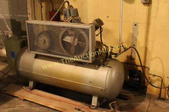 Ingersoll-Rand 30 Gallon T30 Industrial Air Compressor MN:  242-5D3 5HP Baldor Motor