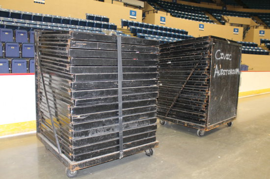 Commerical Event Barrier System - 66 Steel Panels w/Racks