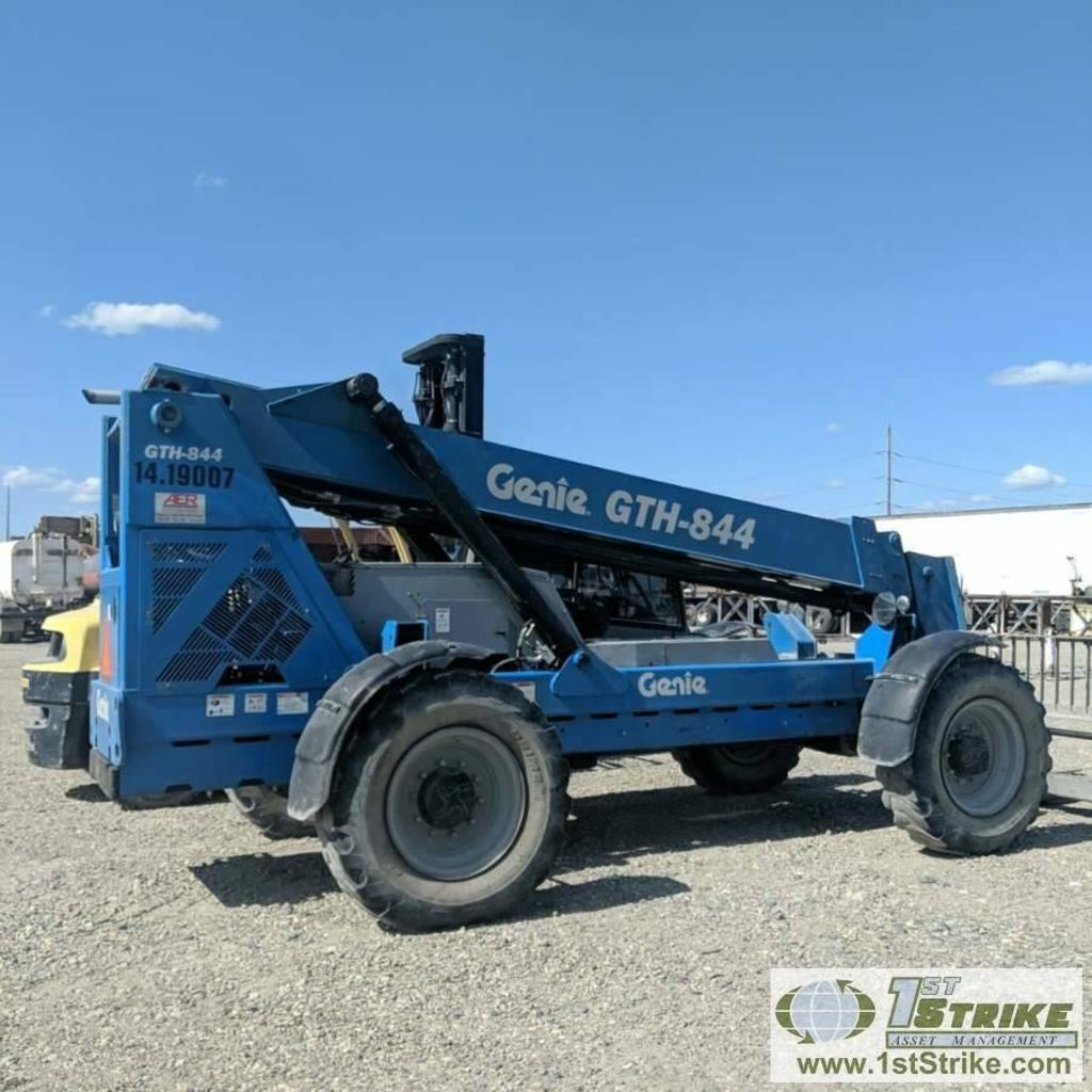 TELEHANDLER, 2011 GENIE GTH844, 4CYL PERKINS DIESEL ENGINE, 4X4, 8000LB LIFT CAPACITY, WITH 60IN FOR