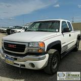 2004 GMC SIERRA 2500HD SLE, 6.0L VORTEC GAS, 4X4, EXTENDED CAB, SHORT BED