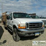 2001 FORD F-350 SUPERDUTY XLT, 6.8L V10 TRITON GAS, 4X4, EXTENDED CAB, FLAT BED, LIFT GATE