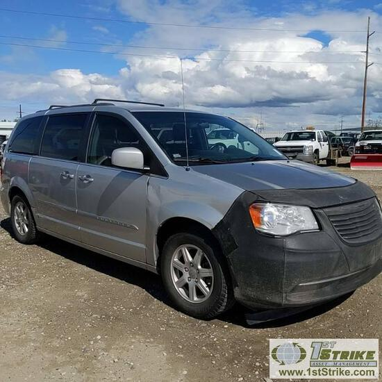 2011 CHRYSLER TOWN AND COUNTRY, 3.6L GAS, FWD, CAMPER CONFIGURATION