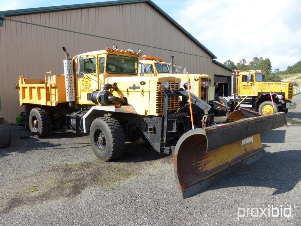 Oshkosh Snow Plow Truck Vn 15352 Powered By Diesel Engine Equipped With Dump Body 20 000lb Fronts Commercial Trucks Specialty Trucks Snowplow Spreader Trucks Online Auctions Proxibid