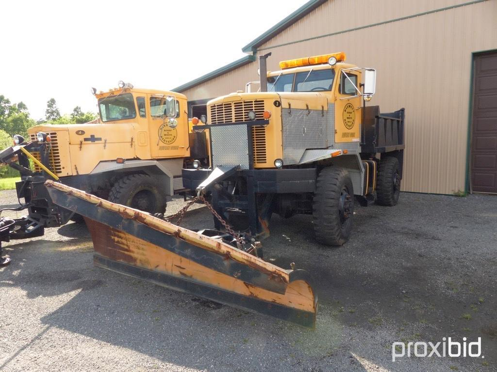 1980 Oshkosh Snow Plow Truck Vn 6550r Powered By Cat 3406 Diesel Engine Equipped With Dump Body 20 Commercial Trucks Specialty Trucks Snowplow Spreader Trucks Online Auctions Proxibid