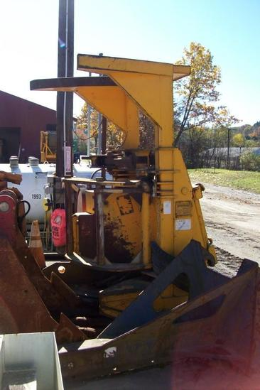 BLOUNT 22DS TREE SAW FORESTRY EQUIPMENT SN:3337--------ALEX LYON & SON DOES NOT OFFER SHIPPING ON