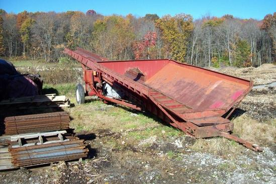 IMCO CONVEYORS & STACKER SN:971 powered by John Deere diesel engine, equipped with hydraulic raise &