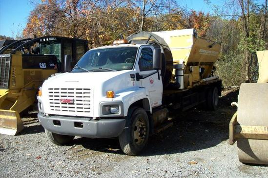 2009 GMC C7500 BARK BLOWER TRUCK VN:502363 powered by Duramax diesel engine, equipped with manual
