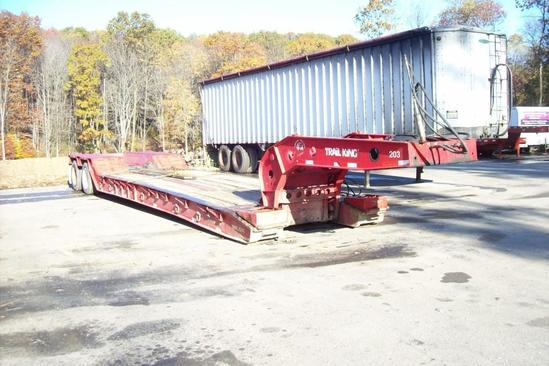 """2000 TRAILKING DETACHABLE GOOSENECK TRAILER VN:39693 equipped with 102""""x22' deck, outriggers, deck"""