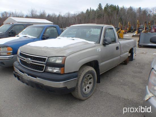 2006 CHEVY 1500 PICKUP TRUCK VN:1GCEK14X16Z129897 4x4, powered by 4.8L gas engine, equipped with aut