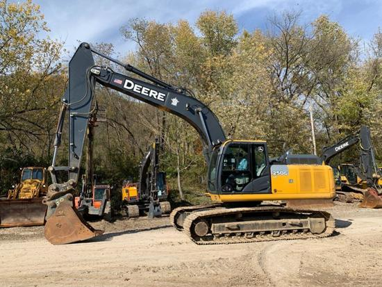 2015 JOHN DEERE 250GLC HYDRAULIC EXCAVATOR SN:EFF609700 powered by John Deere diesel engine,