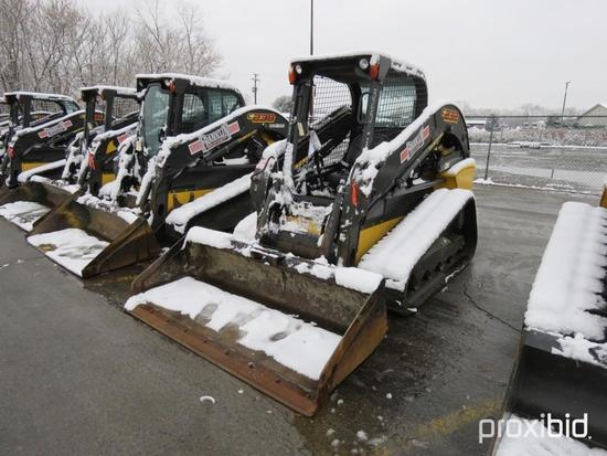 2016 NEW HOLLAND C232 RUBBER TRACKED SKID STEER SN:NGM416689 powered by diesel engine, equipped with