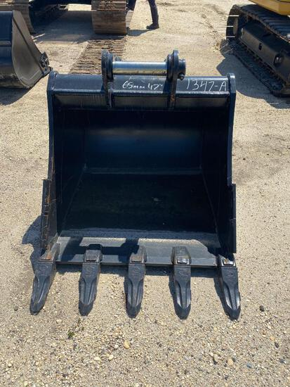 NEW STRICKLAND 42IN. DIGGING BUCKET EXCAVATOR BUCKET 65MM PIN SIZE TO FIT CAT 311/312/313, KOMATSU P
