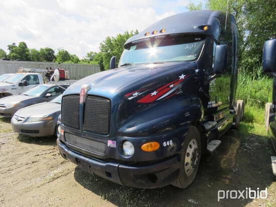 2007 KENWORTH T2000 TRUCK TRACTOR VN:1XKTDU9X37J168667 powered by Cat C15 Acert 435 HP diesel engine