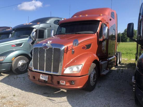2013 PETERBILT 587 TRUCK TRACTOR VN:1XP4DP9X4DD123800 powered by Paccar MX13 diesel engine, equipped