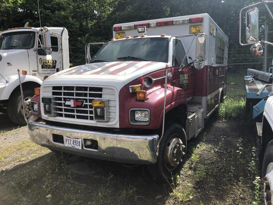 1988 CHEVY C6500 SERVICE TRUCK VN:1GBG6H1CXWJ110680 powered by Cat C7 diesel engine, equipped with a