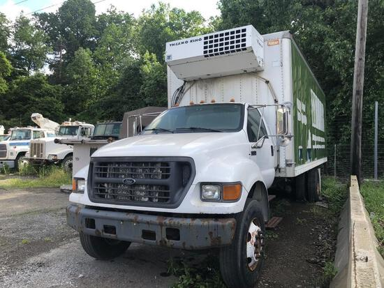 2002 FORD F750XL VAN TRUCK VN:3FDXF75N92MA18020 powered by Cat C7 diesel engine, equipped with 6 spe