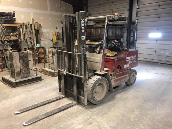 CLARK GPX-230 FORKLIFT SN:9171 powered by gas engine, equipped with OROPS, 2-stage mast, 54in. Forks