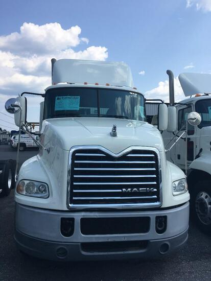 2017 MACK CXU613 TRUCK TRACTOR VN:83247 powered by Mack MP7 diesel engine, 395hp, equipped with Mack