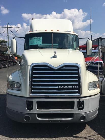 2017 MACK CXU613 TRUCK TRACTOR VN:83249 powered by Mack MP7 diesel engine, 395hp, equipped with Mack