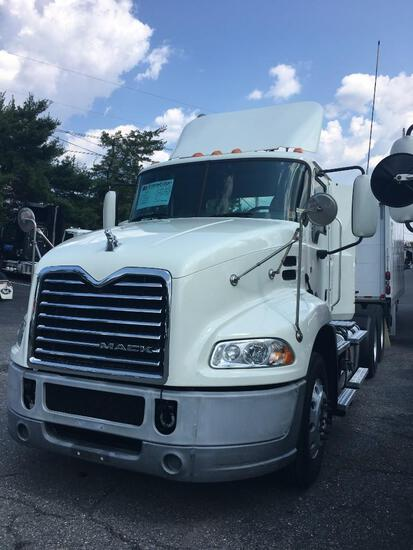 2017 MACK CXU613 TRUCK TRACTOR VN:83254 powered by Mack MP7 diesel engine, 395hp, equipped with Mack
