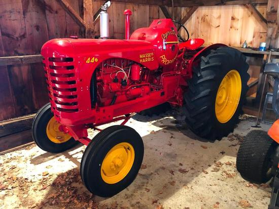 1953 MASSEY HARRIS 44B1SF ANTIQUE AGRICULTURAL TRACTOR powered by 4 cylinder LP gas engine, equipped