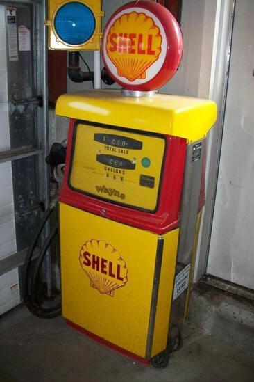 WAYNE MFG SHELL GAS PUMP COLLECTIBLE GAS PUMP